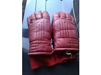 BEAUTIFUL RED LEATHER SKI GLOVES - VERY WARM - TOP CONDITION -
