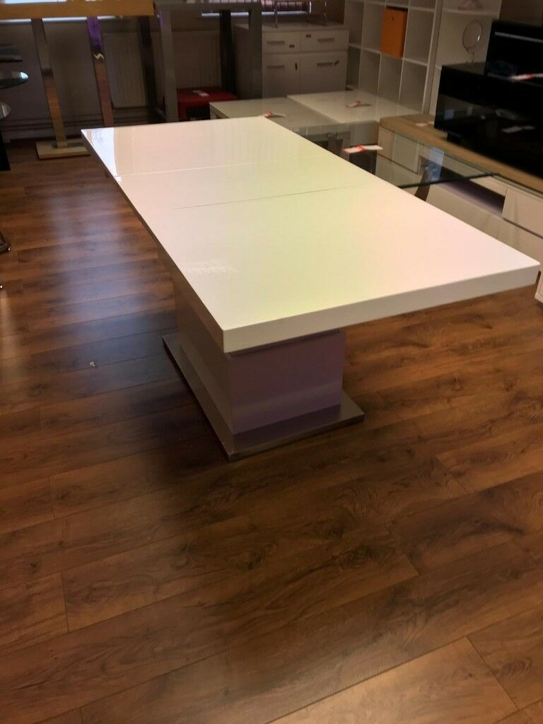 Cool Elgin Extending Coffee In To A Dining Table In White Gloss 209 In Farnworth Manchester Gumtree Machost Co Dining Chair Design Ideas Machostcouk