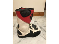 Frank Thomas leather motorbike boots size 8 in white/red/black