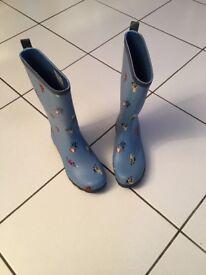 Girls wellington boots