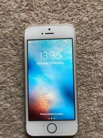Apple iphone 5s 32GB UNLOCKED GOLD 1 year old