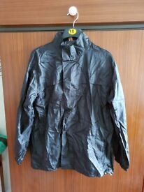 Water resistant windproof jacket size 38