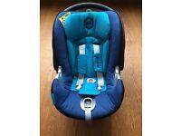 Baby Car Seat: Cybex Aton Q (blue)