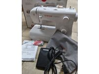 Singer Tradition 2282 Sewing Machine. Boxed. Good condition