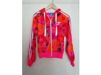 Used woman's Adidas tracksuit (good condition)