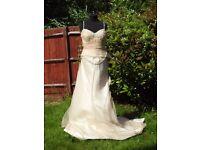 UK Size 10 Handmade Designer Veromia Stunning Pale Gold Wedding Dress Daisy Chains NEW