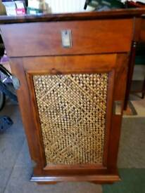 Small cabinet in lovely condition