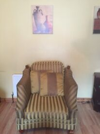 Lovely sofa - four seater plus two single armchairs
