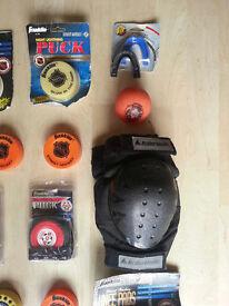 Street/roller/ice hockey gear