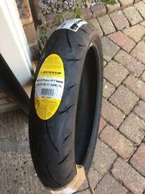 Dunlop Sportsmart 2 Max 120/70 ZR17 (58W) TL - Front - Motorcycle / Bike Tyre Yamaha MT09