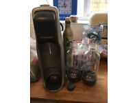 Soda stream fizzy drinks maker with bottles and extra Co2 canister