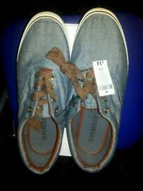 Mens casual shoes size 8 brand new