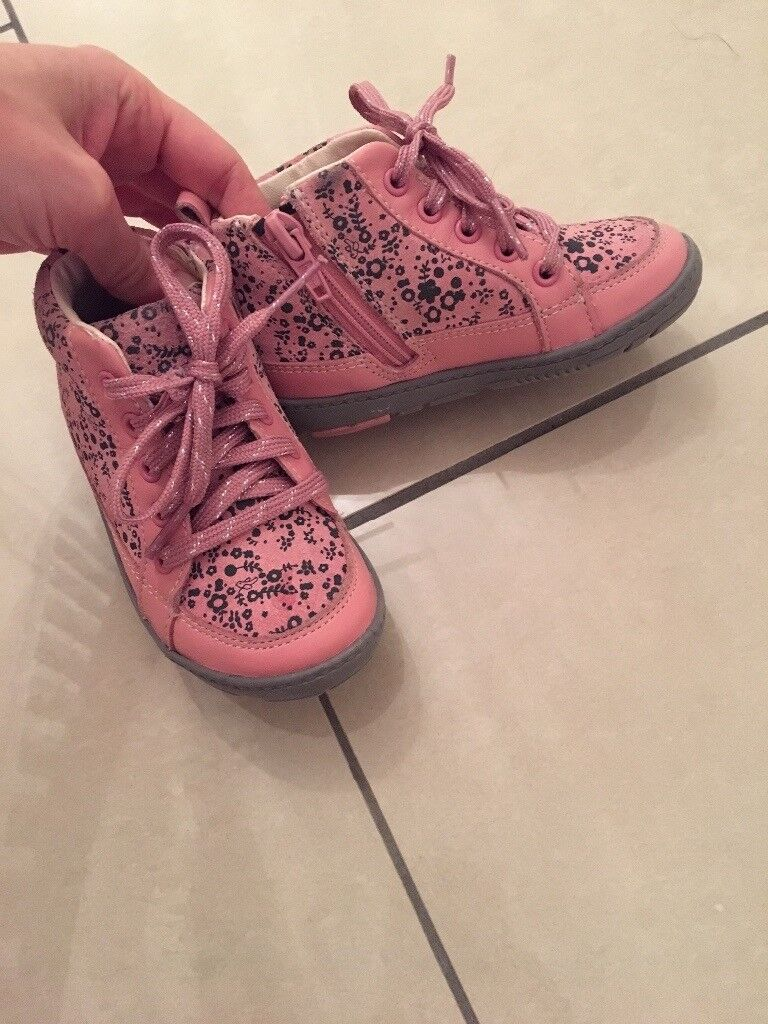 Pink shoe boots, kids size 5F.