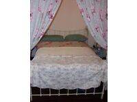 Cosy New Forest Cottage avail Xmas and New Year 2 Bedroom cottage with four poster bed