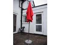 Garden tilt / patio parasol / umbrella with granite base