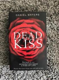 Book, dead kiss, teenage novel