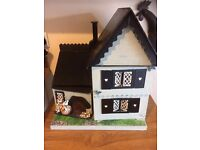 VINTAGE DOLLS HOUSE AND THE LITTLES DOLLS