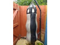 Heavy punch bag and stand