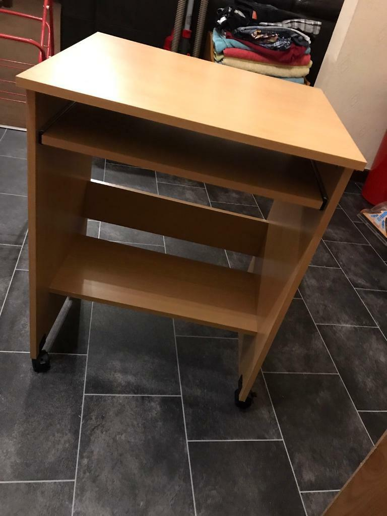 Deskin Heywood, ManchesterGumtree - Desk on wheels. In great condition. Not had long. Selling due to getting bigger desk. Pick up only from Heywood