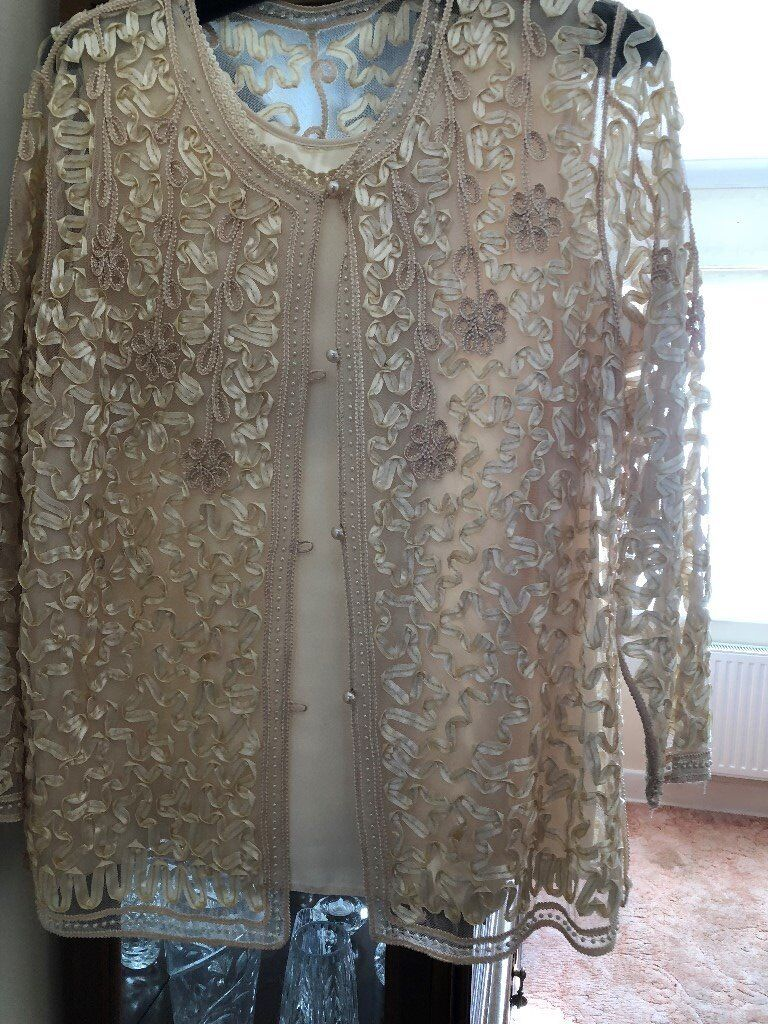 Christmas Party Top and Skirt Size 20 Beautiful condtion