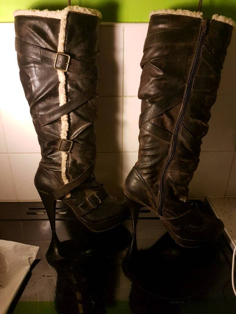 Size 6 new look boots
