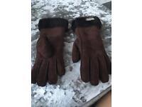 Ugg ladies gloves size large brown
