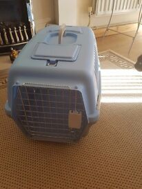 Large pet carrier, Nearly new excellent condition