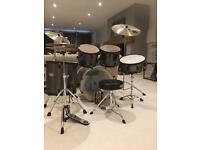 Maypex drum kit with stagg cymbals