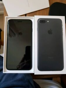 Mint condition Black IPhone 7 Plus 128gb for sale!**