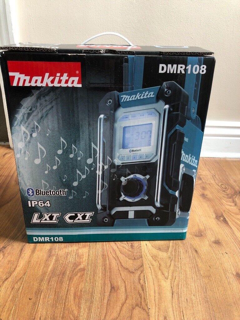 Makita radio DMR108 | in Hull, East Yorkshire | Gumtree
