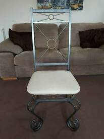 Dining Table Chairs x 5