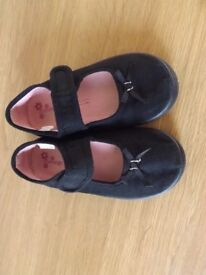 Girls Gym Shoes Size 10