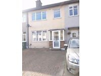 LARGE 3 BED HOUSE IN DAGENHAM EXCELLENT LOCATION AVAILABLE NOW !!!
