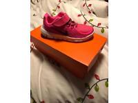 Girls Nike trainers size 1 BNIB