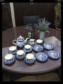 Tea set willow pattern