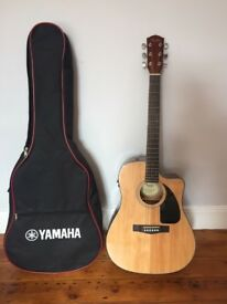 Guitar Fender semi-acoustic mint condition, no nicks or scratches