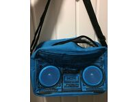 Side bag with speakers