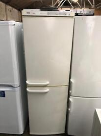 BOSCH CLASSIXX fridge freezer frost free in good condition and perfect working order