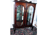 DISPLAY CABINET - DOUBLE DOORS in as new Condition