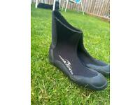 Kids wetsuit boots