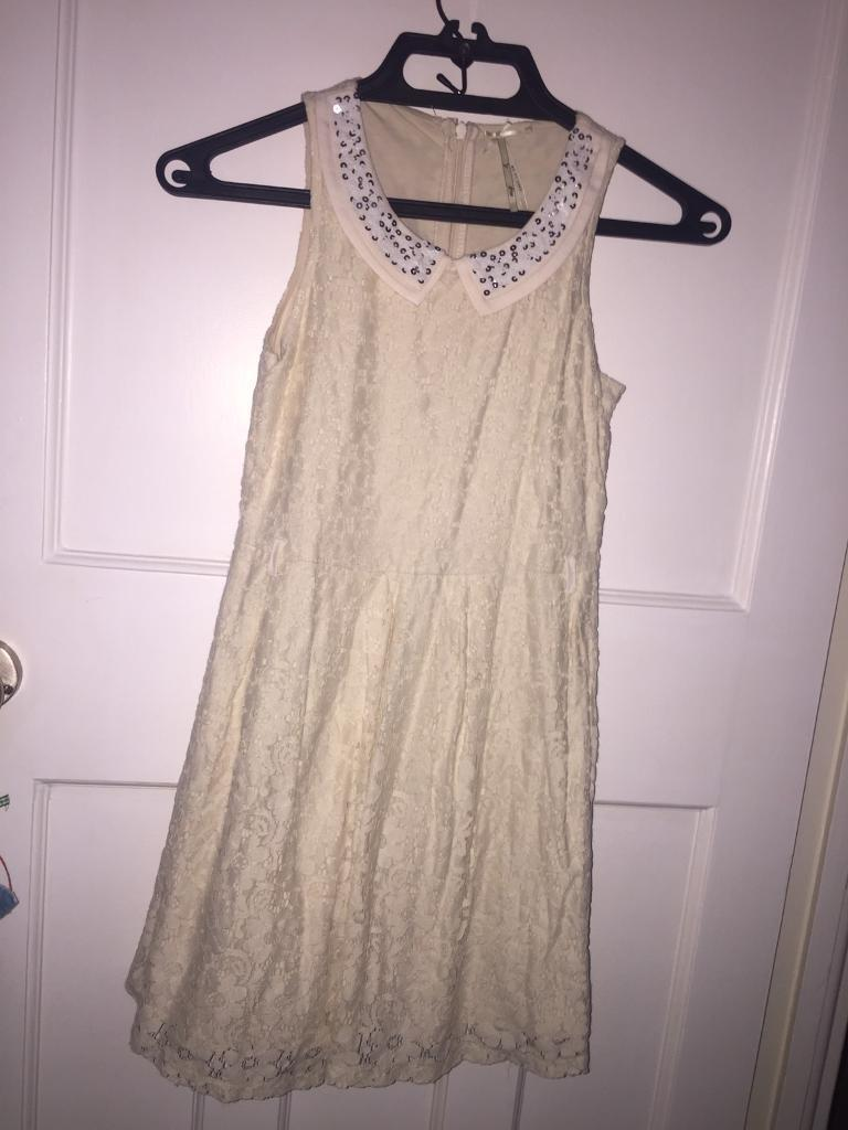 Small Girls DressesFree brand new H&M skirtin South East London, LondonGumtree - Suitable for 9 10 year old girl,White dress from NextBarely wornCollection Only PleaseSouth East London