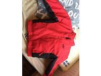 Puma jacket Age : 5 to 6