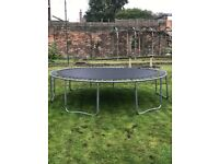 Trampoline very large good condition