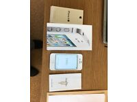 iphone 4s 16GB on EE ( immaculate condition)
