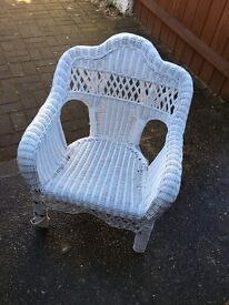 Wicker lloyd loom style white chair, average adult size in good condition