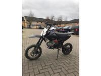 Pit bike Yx stomp 140