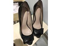 Black court shoes size 4.5 new