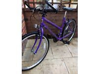 Small ladies/teenage mountain bike in excellent condition