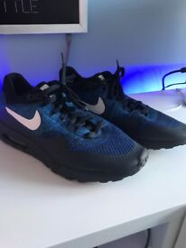 Nike air max nearly new!