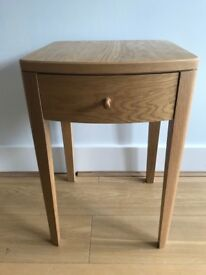 Oak Bedside Table - Single draw - Stylish Design -